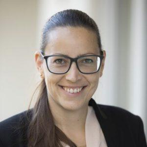 Dr. Alexandra<br>Schütze